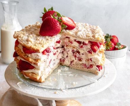 Strawberries & Cream Blättertorte