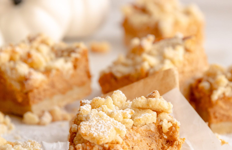 Streusel Pumpkin Pie Bars